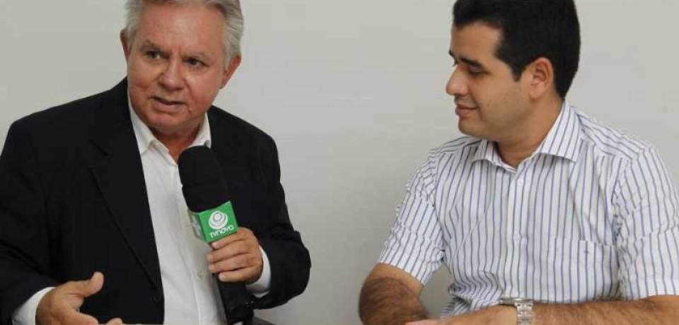 Toni Almeida entrevista o Dep. Estadual Joaquim Lira para o Acontece