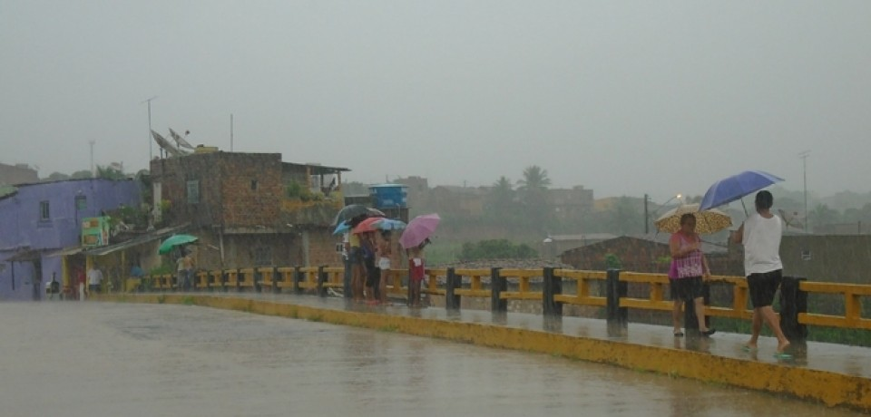 Defesa Civil da Vitória de Santo Antão em alerta por conta das fortes chuvas na cidade