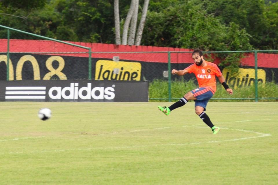 À espera de Rithely, técnico Oswaldo de Oliveira tem só uma dúvida para jogo com o Flamengo