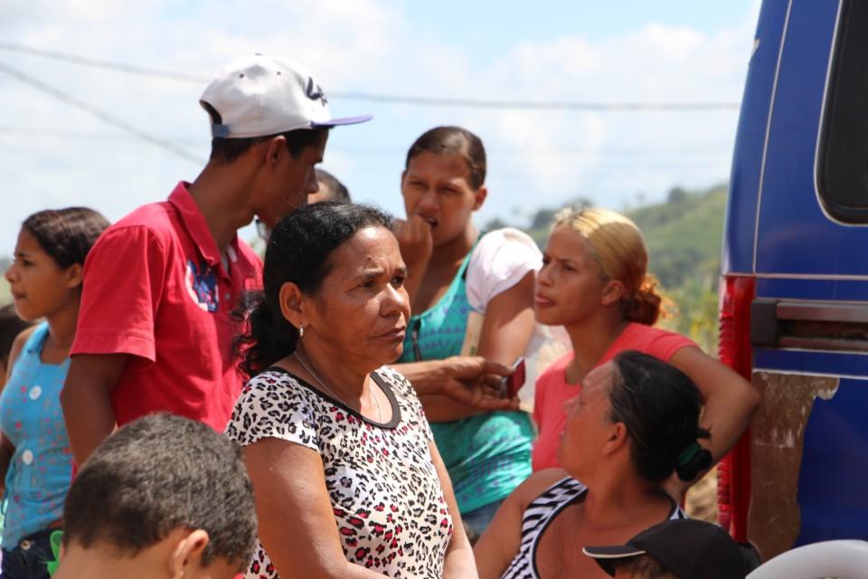 Mutirão social realiza ação no Loteamento Luíz Gonzaga, na cidade da Vitória de Santo Antão.