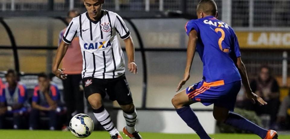 """Sport não segura o Corinthians, é derrotado e fica """"apenas"""" com o vice da Copa do Brasil sub-17"""