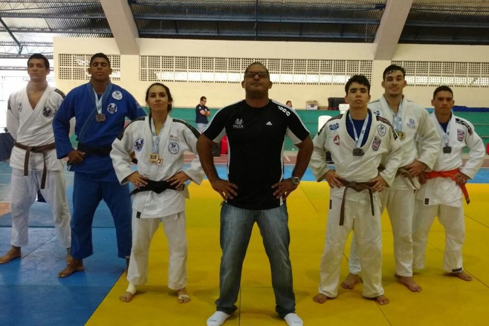 Judô FACOL participa do 64° Jogos Universitários de Pernambuco