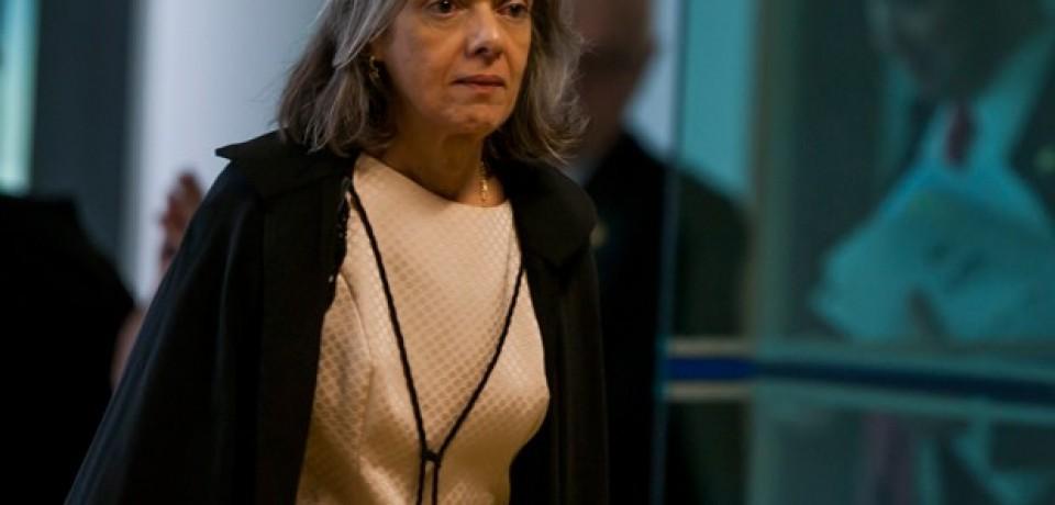 Cármen Lúcia toma posse nesta segunda na presidência do STF