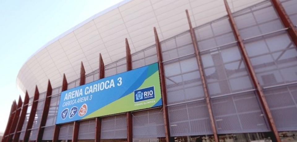 Balão cai no teto da Arena Carioca 3, no Parque Olímpico