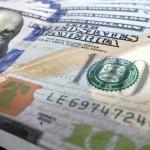 Dólar opera em queda à espera de votação da PEC dos gastos