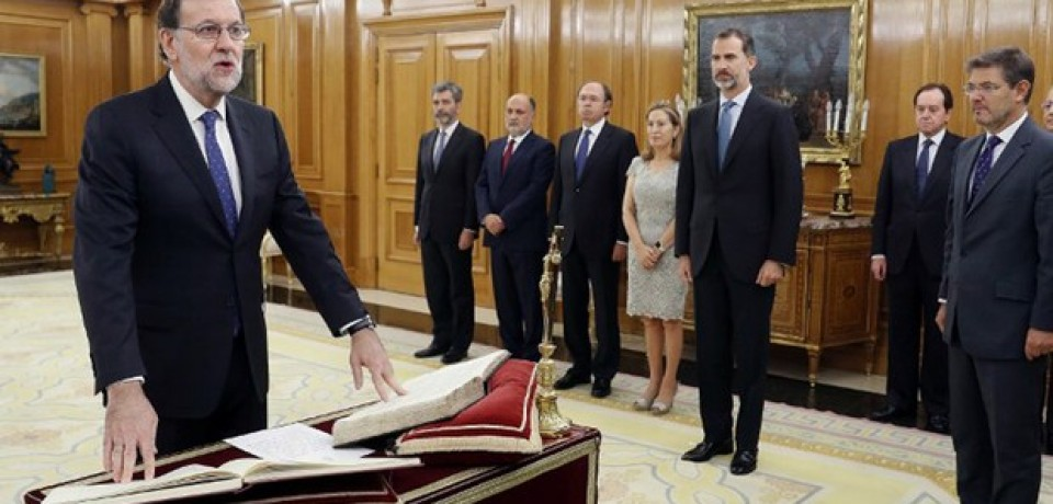 Rajoy jura ante o rei seu segundo mandato na Espanha